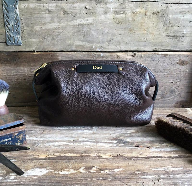 """<a href=""""https://fave.co/2Pc2kDQ"""">Personalised Leather Toiletry Bag, Studio Tew, Etsy,</a> &pound;33.40 (Photo: Huffington Post UK )"""