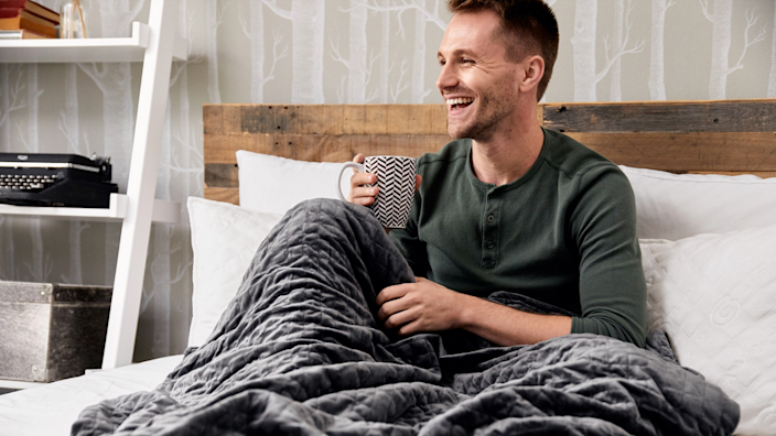 Best gifts for brother: Gravity Blanket