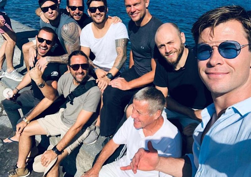 Chris Hemsworth and the <em>Men in Black</em> crew