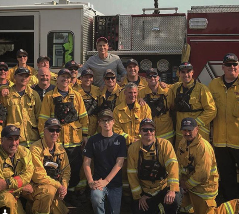 screen shot 2017 12 18 at 1 26 30 pm Rob Lowe suits up to battle Thomas Fire in Santa Barbara, feeds firefighter crew