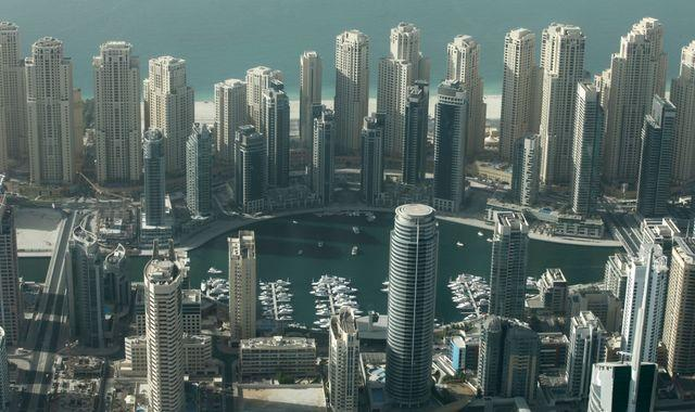 Balcony nude photo shoot group to be deported from Dubai