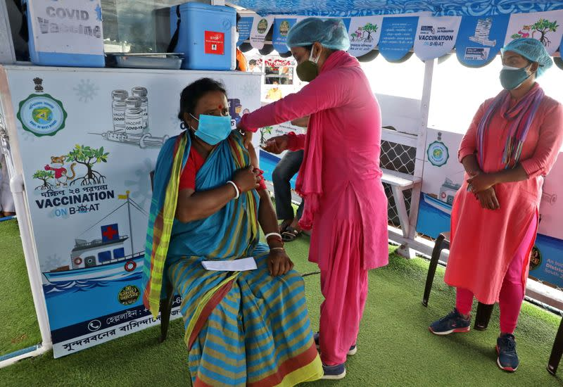"""""""Vaccination on boat"""" programme in Gosaba Island"""