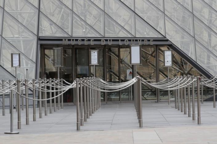 Louvre museum among top French tourism landmarks closed their doors due to coronavirus