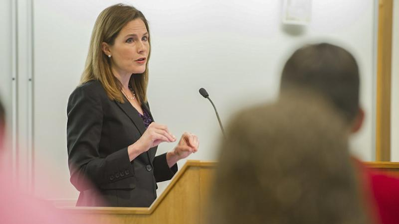 Amy Coney Barrett en clase