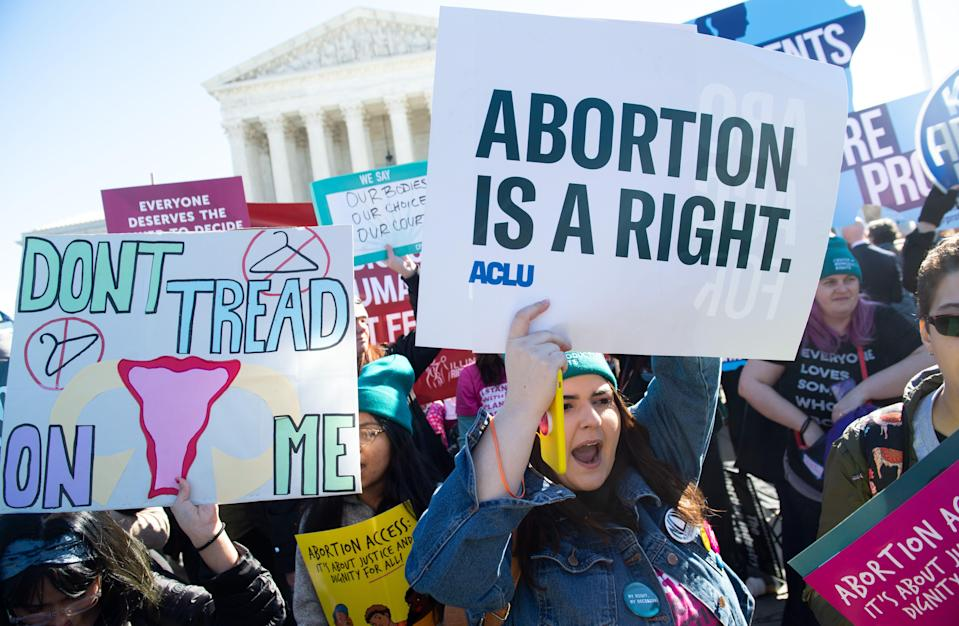 Abortion rights activists protest during a demonstration outside the Supreme Court in Washington, D.C., on March 4, 2020. (Photo: SAUL LOEB/AFP via Getty Images)