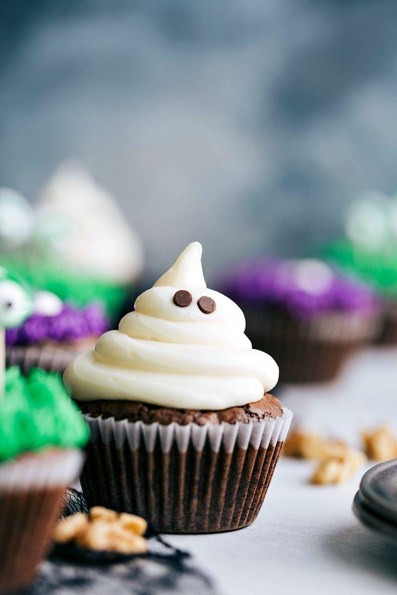 """<p>Buttercream and two chocolate chips are all it takes to transform these snazzy cupcakes into something a bit more Halloween appropriate. Even novice bakers won't have a hard time figuring out this recipe.</p><p><strong>Get the recipe at <a href=""""https://www.chelseasmessyapron.com/easy-halloween-cupcakes/"""" rel=""""nofollow noopener"""" target=""""_blank"""" data-ylk=""""slk:Chelsea's Messy Apron"""" class=""""link rapid-noclick-resp"""">Chelsea's Messy Apron</a>.</strong></p><p><strong><strong><a class=""""link rapid-noclick-resp"""" href=""""https://go.redirectingat.com?id=74968X1596630&url=https%3A%2F%2Fwww.walmart.com%2Fip%2FThe-Pioneer-Woman-5-Piece-Prep-Set-Measuring-Bowls-Cup%2F55467843&sref=https%3A%2F%2Fwww.thepioneerwoman.com%2Ffood-cooking%2Fmeals-menus%2Fg32110899%2Fbest-halloween-desserts%2F"""" rel=""""nofollow noopener"""" target=""""_blank"""" data-ylk=""""slk:SHOP MEASURING CUPS"""">SHOP MEASURING CUPS</a></strong><br></strong></p>"""