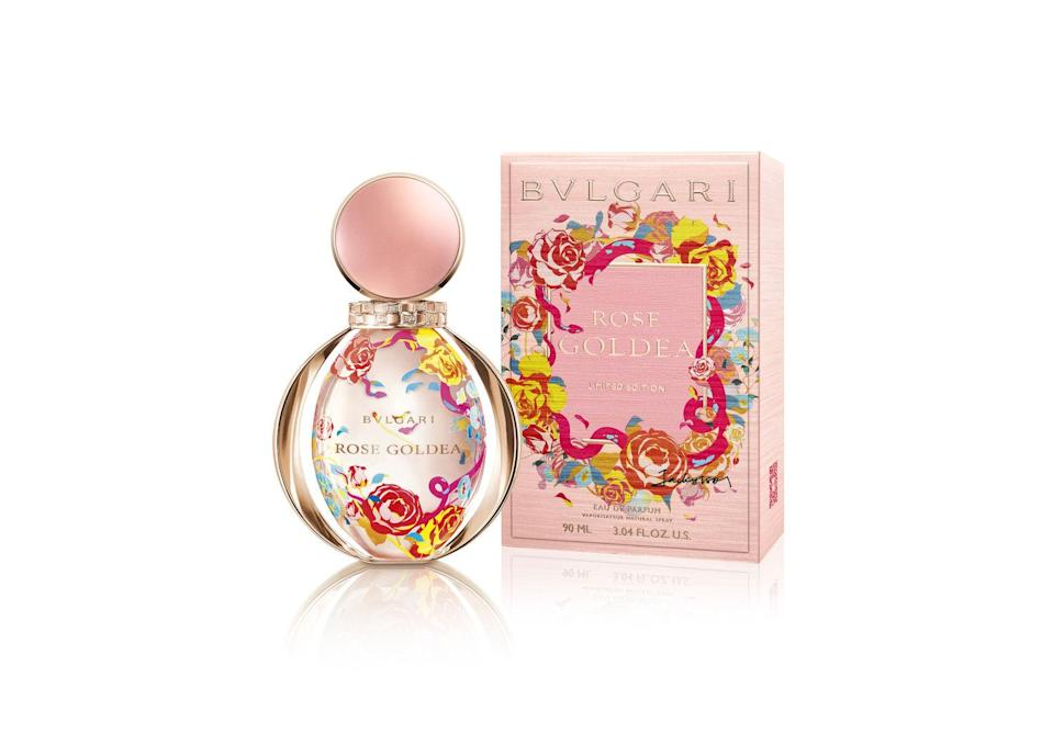 <p><span>Created by London artist Jacky Tsai, the print on the bottle resembles a bed of blooming roses, with its signature serpent weaving its way around the blooms. Master perfumer Alberto Morillas created a scent mixed with notes of pomegranate, floral-rose-musk, damask rose, grandiflorum and blended into the warm base of sandalwood milk accord and white incense.</span> </p>