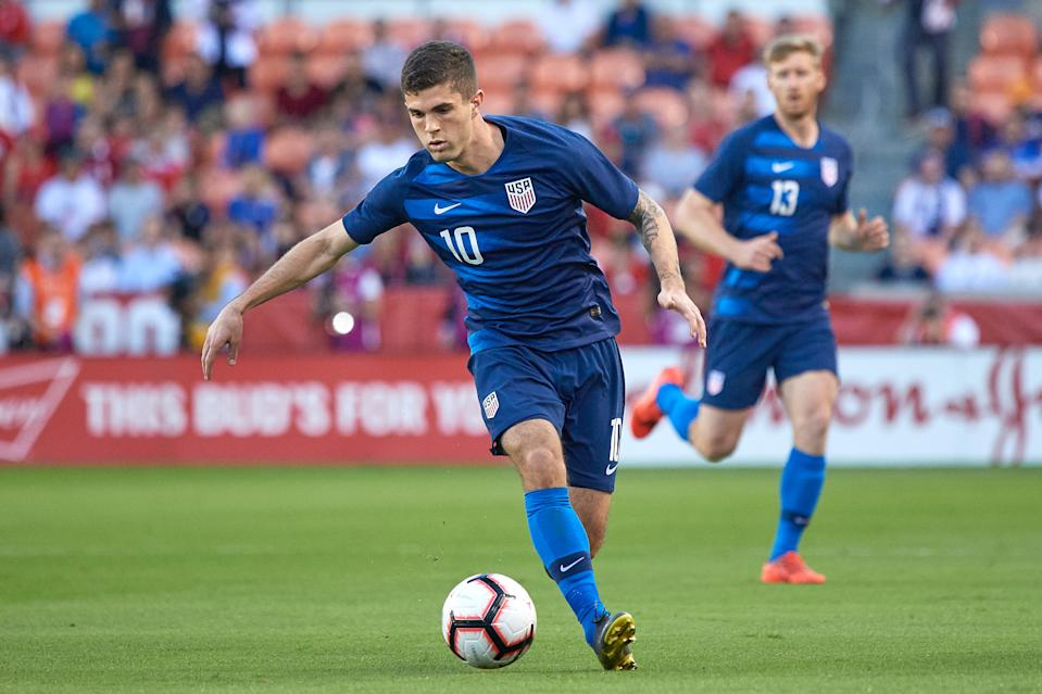 HOUSTON, TX - MARCH 26: United States midfielder Christian Pulisic (10) dribbles the ball in game action during a friendly International match between Chile and the United States on March 26, 2019 at BBVA Compass Stadium in Houston, TX. (Photo by Robin Alam/Icon Sportswire via Getty Images)