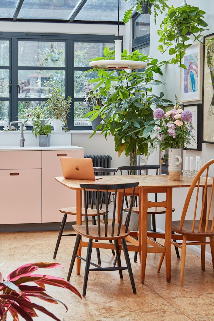 """<div class=""""caption""""> """"The really lovely thing about a cork floor is if you drop something, it doesn't break,"""" Rosie notes. """"I was originally going to go for a poured concrete, but I'm so glad I didn't. The cork is really soft underfoot and always feels quite warm."""" </div>"""
