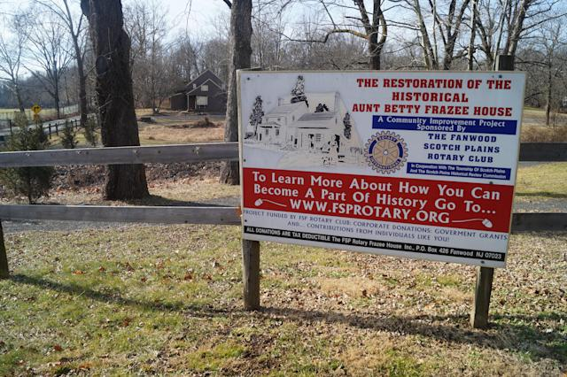 A sign promoting the restoration of the historic Frazee House in Scotch Plains, N.J. (Photo: Michael Walsh/Yahoo News)