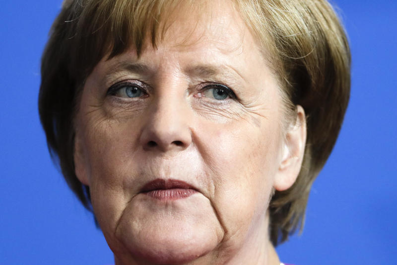 Merkel seeks migration compromise to keep coalition together