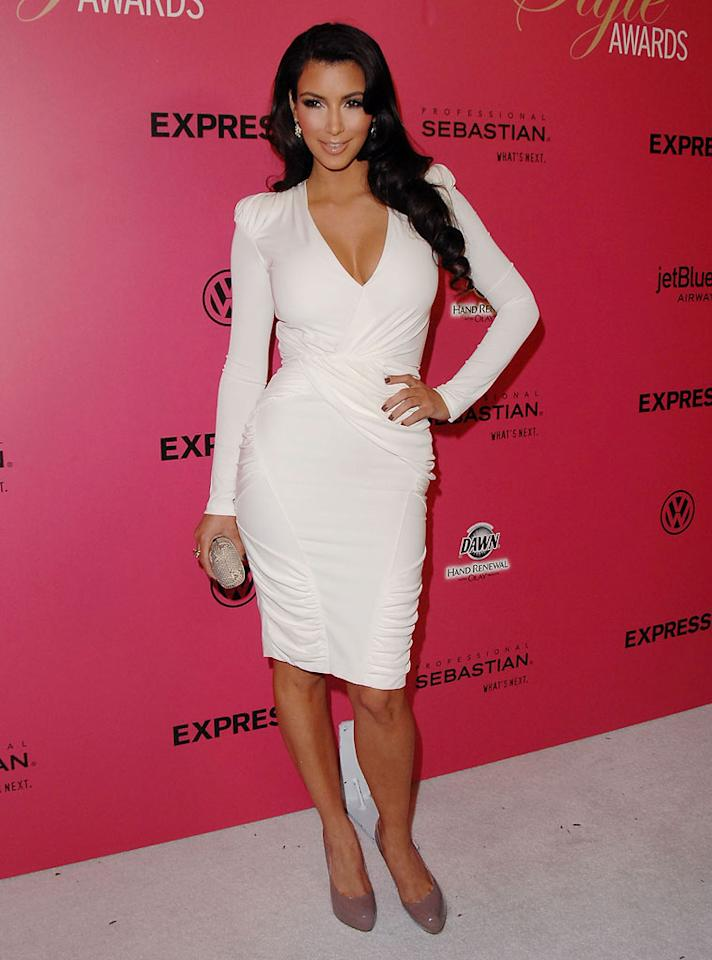 "Meanwhile, at the 6th Annual Hollywood Style Awards, newly single Kim Kardashian set hearts afire in an awesome Joseph Altuzarra hip-hugger and nude Brian Atwood pumps. Jon Kopaloff/<a href=""http://www.filmmagic.com/"" target=""new"">FilmMagic.com</a> - October 11, 2009"