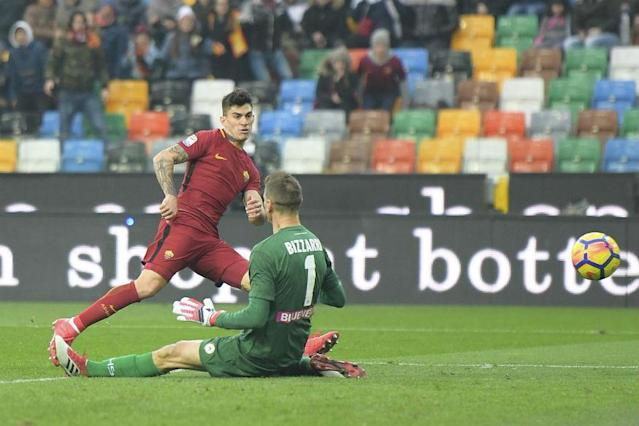AS Roma confirmed their return to form with a 2-0 win at Udinese on Saturday to move third in Serie A as Inter Milan fell back into crisis with a 2-0 loss in Genoa.