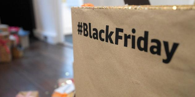 Amazon si prepara al Black Friday: offerte al via dal 19 novembre