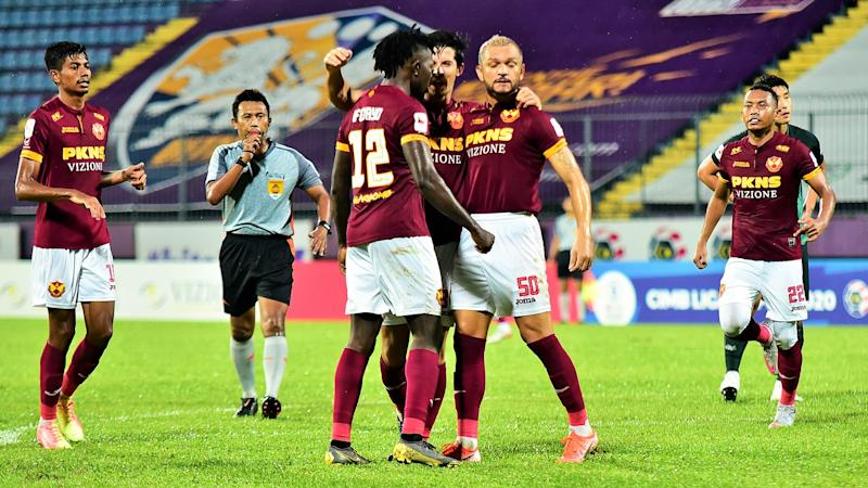 'No coach can teach strikers how to score' - B. Satiananthan baffled by FA Selangor's misfiring forwards