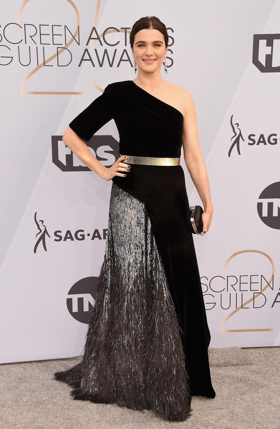 <p>Rachel Weisz wore an off-the-shoulder gown at the 2019 Screen Actors Guild Awards in Los Angeles. (Photo: Getty Images) </p>