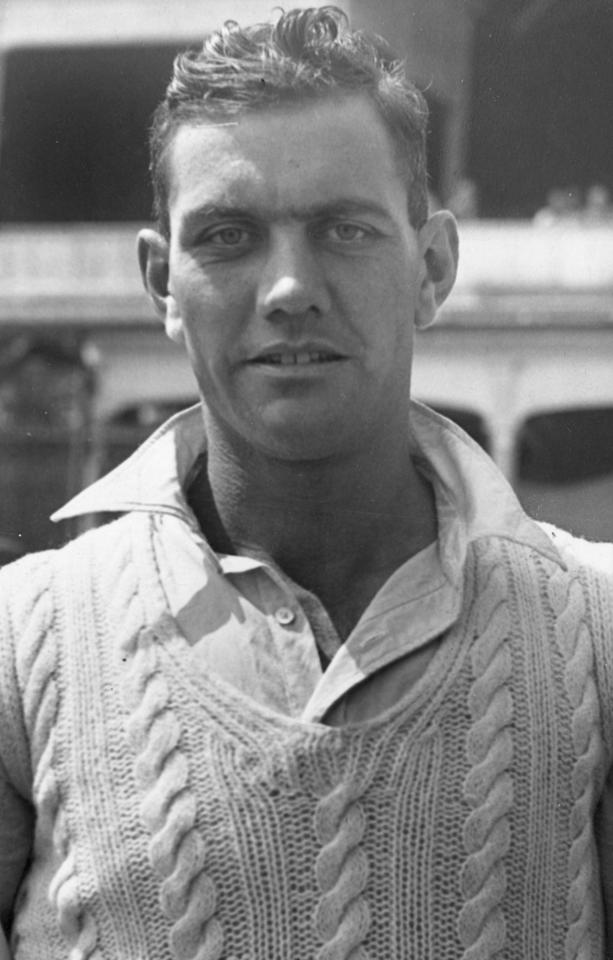 17th July 1946:  English cricketer Alec Victor Bedser.  (Photo by Fox Photos/Getty Images)
