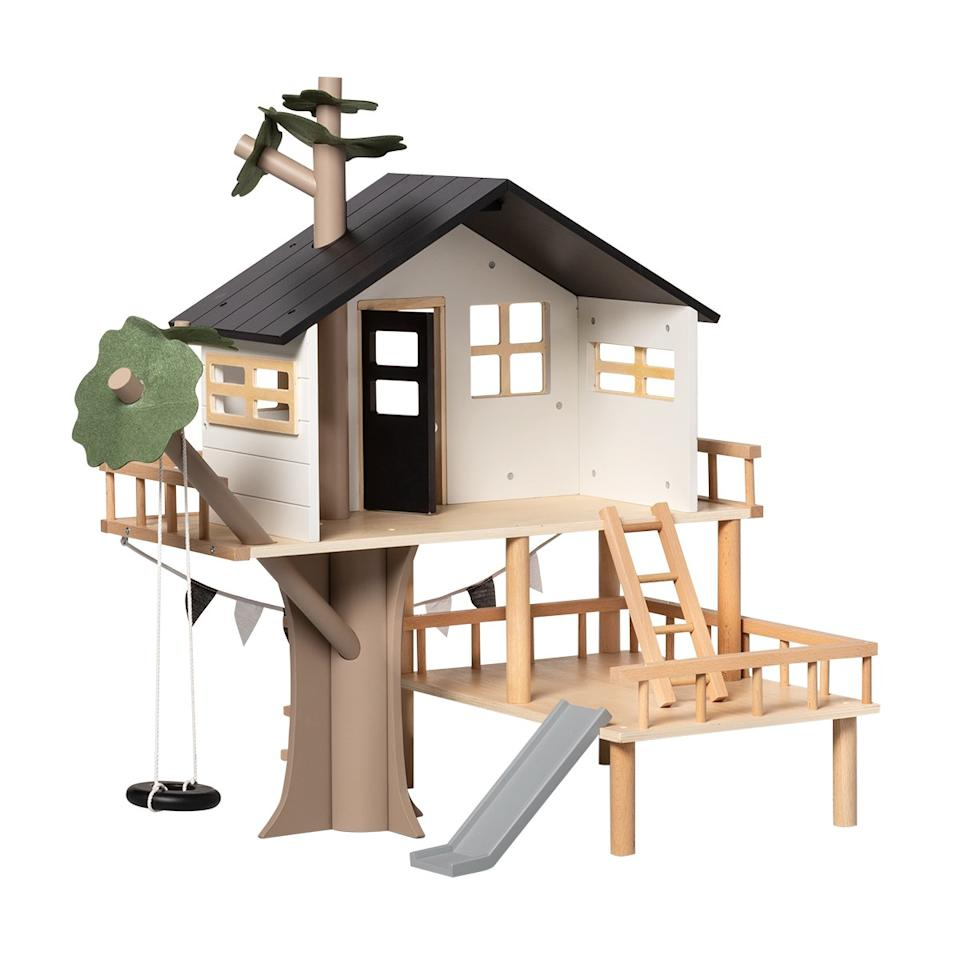 <p>A backyard upgrade they definitely will not see coming. Any kid would be lucky to get this monumental tree house / play house situation as a gift.</p>