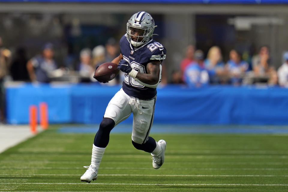 Dallas Cowboys running back Tony Pollard has started earning a bigger share of the team's offensive touches. (AP Photo/Gregory Bull)