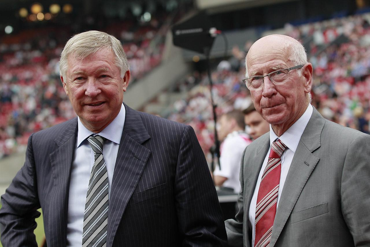 Sir Alex Ferguson (L),Sir Bobby Charlton (R) during the Edwin van der Sar Testimonial match at the Amsterdam Arena on August 3, 2011 in Amsterdam, Netherlands. (Photo by VI Images via Getty Images)