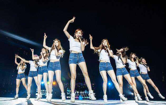 SNSD's fabulous legs were on display
