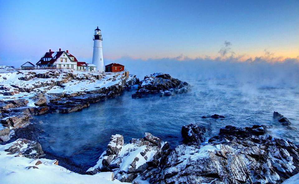 <p>An iconic winter scene with the Portland Head Lighthouse in Cape Elizabeth, Maine. <br></p>