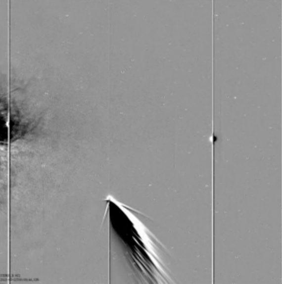 NASA Spacecraft Sees Comet, Earth and Mercury Together (Video)