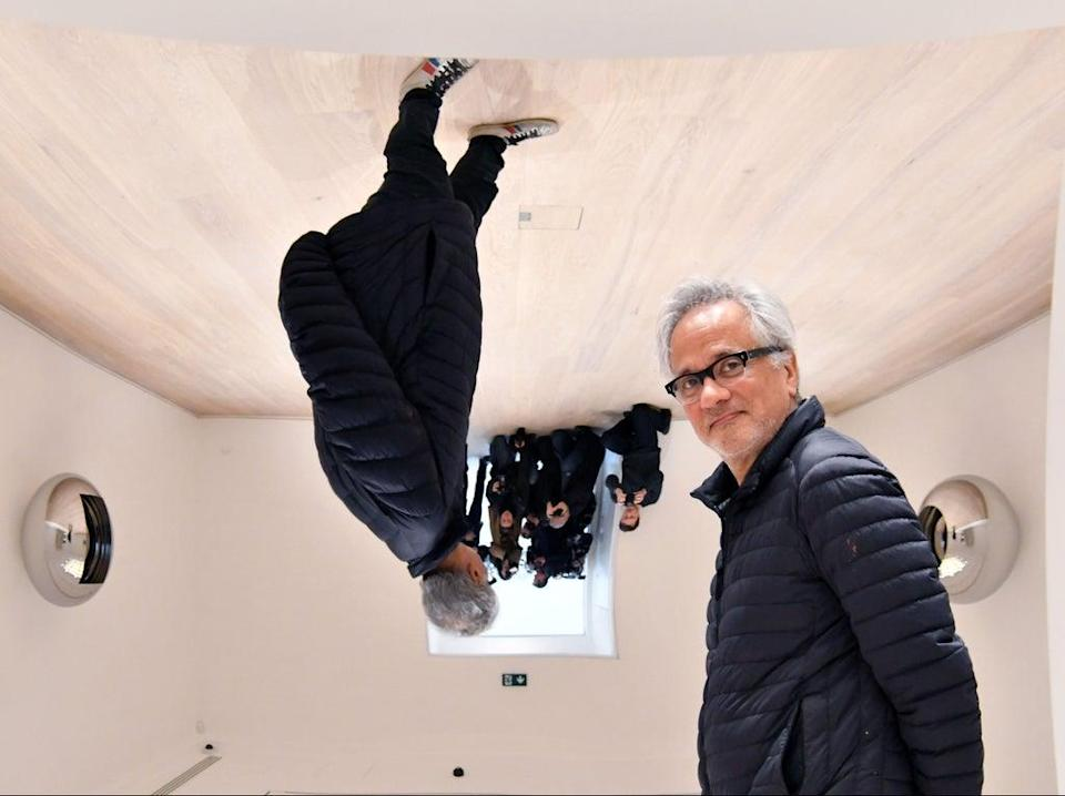 The world turned upside down: Kapoor with his mirror sculptures in 2019 (Nils Jorgensen/Shutterstock)
