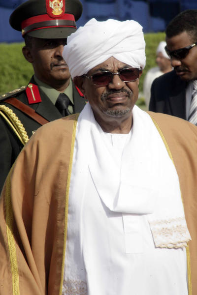 Sudanese President Omar al-Bashir, pictured on June 27, 2014 at Khartoum airport (AFP Photo/Ebrahim Hamid)