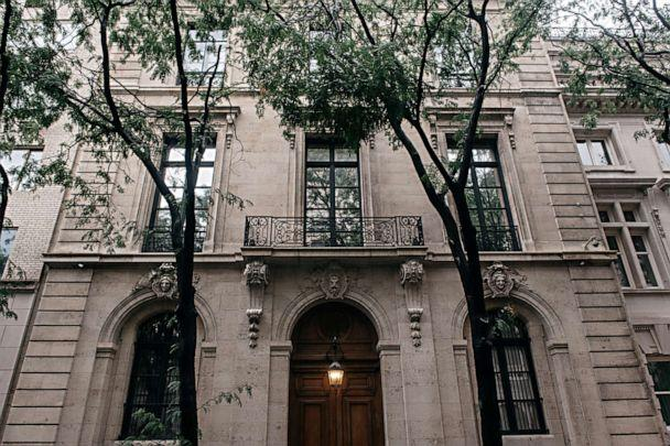 PHOTO: Jeffrey Epstein's residence at 9 East 71st Street in the Manhattan borough of New York City on July 18, 2019. (Scott Heins/Getty Images)