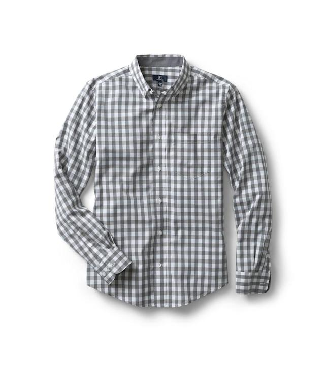 "<p>Men's Long Sleeve Stretch Poplin Woven Shirt, $15, <a href=""https://www.walmart.com/ip/George-Men-s-Long-Sleeve-Stretch-Poplin-Woven-Shirt/772826566"" rel=""nofollow noopener"" target=""_blank"" data-ylk=""slk:walmart.com"" class=""link rapid-noclick-resp"">walmart.com</a>. (Photo: Courtesy of Walmart) </p>"