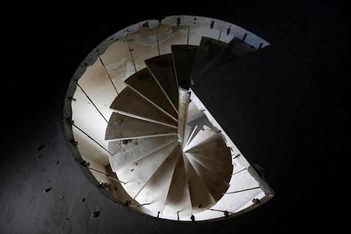 <p>A staircase is seen at Darul Aman Palace in Kabul, Afghanistan, June 5, 2016. (Omar Sobhani/Reuters) </p>