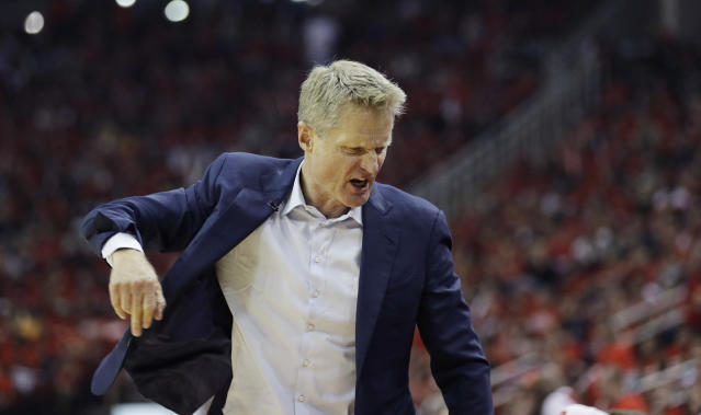 "Steve Kerr was not pleased with how the <a class=""link rapid-noclick-resp"" href=""/nba/teams/gsw"" data-ylk=""slk:Warriors"">Warriors</a> opened Monday's Game 7 and didn't hide his feelings in a sideline interview. (AP)"