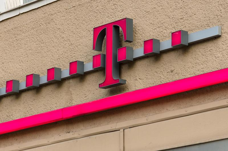 T-Mobile gets you a free smartphone (sort of) if you join