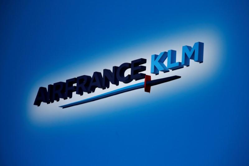 FILE PHOTO: The Air France-KLM company logo is seen at the annual shareholder meeting in the La Defense business district in Puteaux, France, May 15, 2018. REUTERS/Philippe Wojazer/File Photo