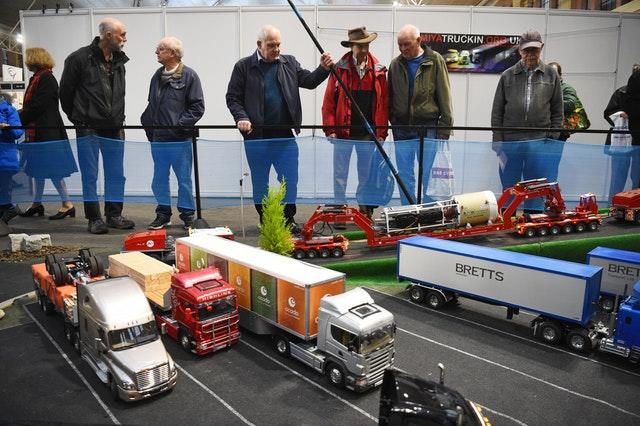 Enthusiasts look at model trucks