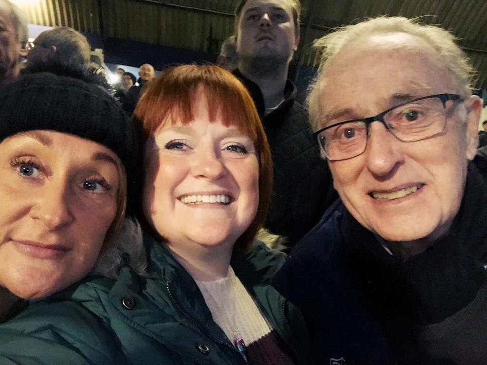 Helen Hughes with her sister and father. (Supplied)