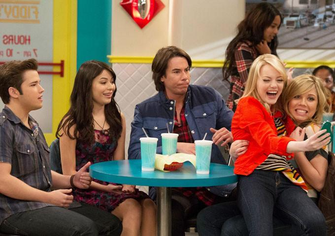 """This supermodel was on """"iCarly,"""" and we totally missed this"""