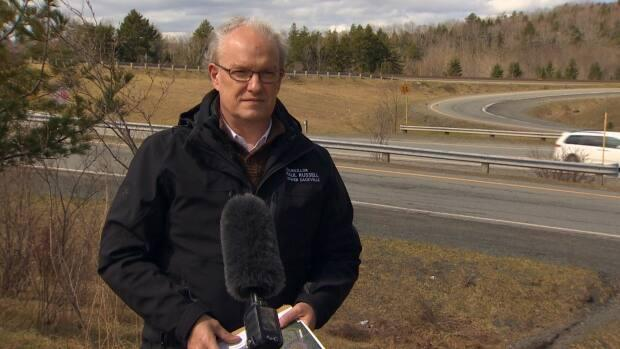 Russell says 2 people have been killed at night over the past 10 years while crossing a certain section of Highway 101 in Lower Sackville.