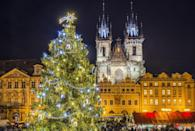 <p>The Christmas Market and tree in front of the Tyn Church in Prague.<br></p>