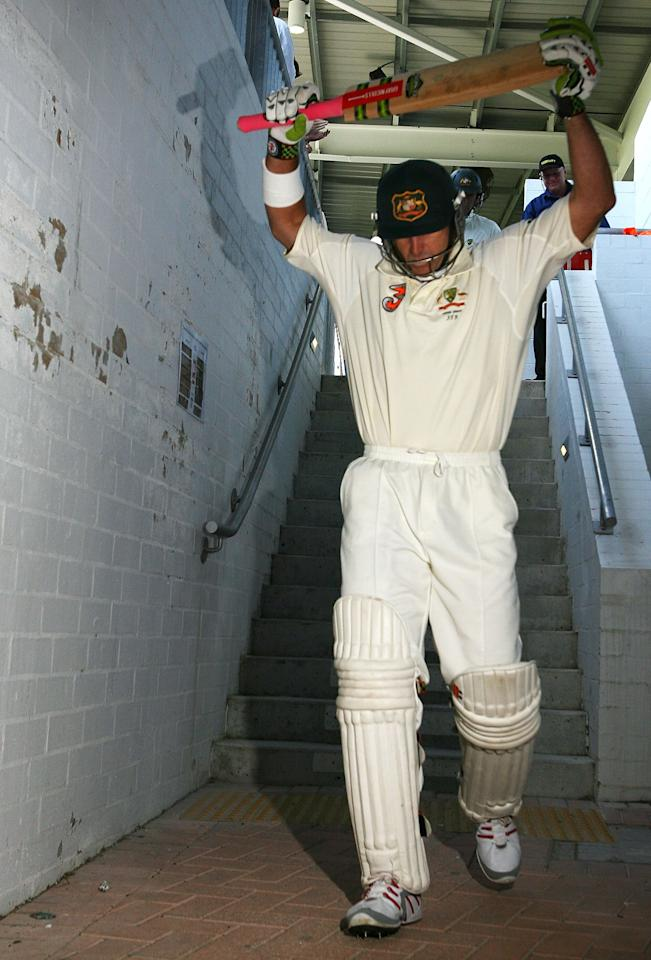 PERTH, AUSTRALIA - DECEMBER 15:  Matthew Hayden of Australia makes his way out to bat at the start of Australia's second innings during day two of the third Ashes Test Match between Australia and England at the WACA on December 15, 2006 in Perth, Australia.  (Photo by Paul Kane/Getty Images)