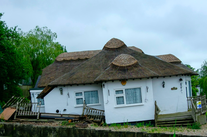 A couple discovered their cottage on the Norfolk Broads sinking (SWNS)