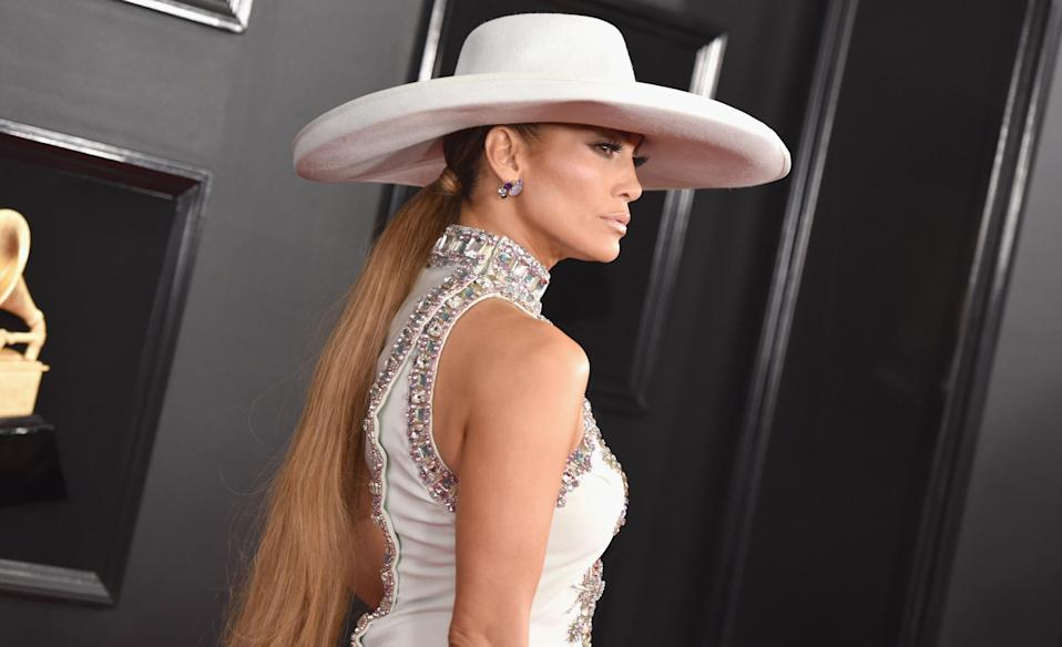 Jennifer Lopez on the red carpet at the 2019 Grammys. (Photo: Getty Images)
