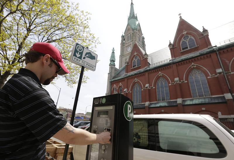 Legal fight settled over Chicago parking meters