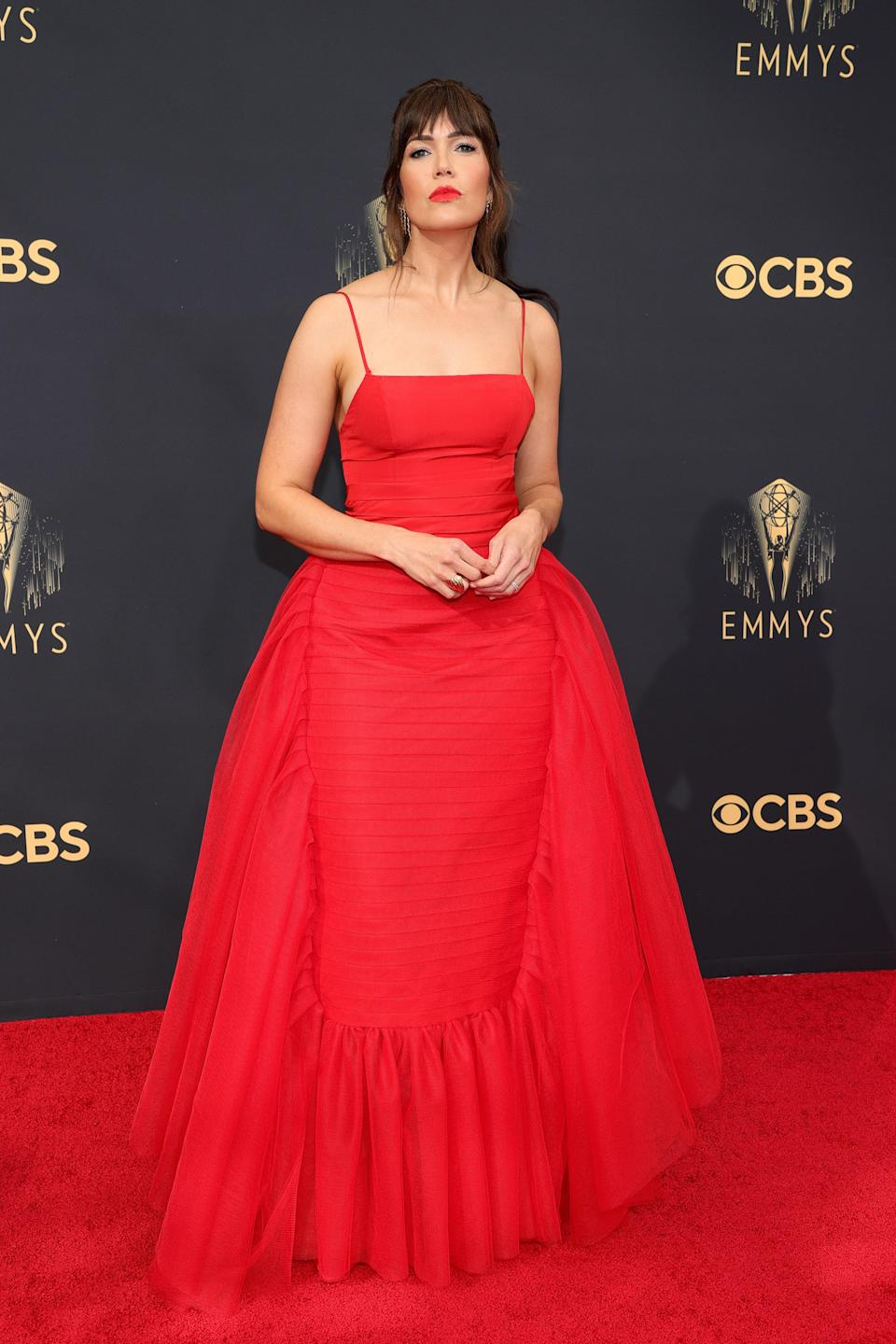 Mandy Moore went for a full ballgown with her crimson red Carolina Herrera.