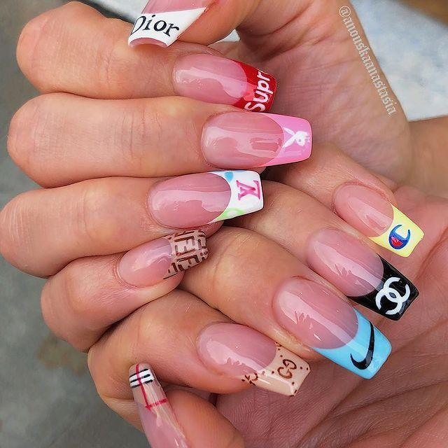 """<p>If you're obsessed with the '00s, we've found the perfect manicure for you...</p><p><a href=""""https://www.instagram.com/p/Bw62h0elld1/"""" rel=""""nofollow noopener"""" target=""""_blank"""" data-ylk=""""slk:See the original post on Instagram"""" class=""""link rapid-noclick-resp"""">See the original post on Instagram</a></p>"""