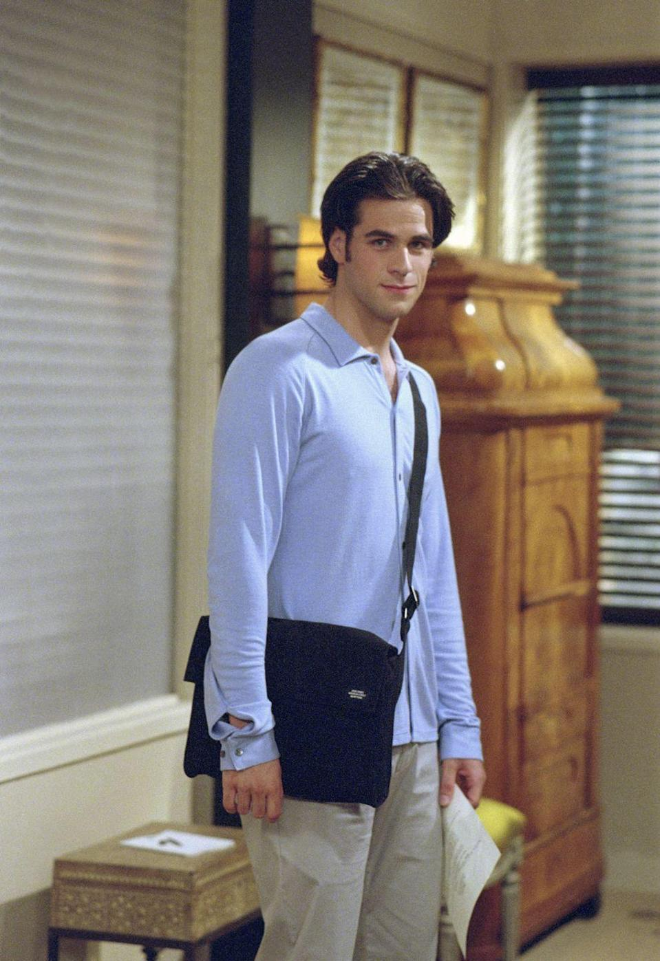 <p>Eddie Cahill had just started to pursue a career in acting when he was cast as Rachel's assistant/boyfriend, Tag Jones. </p>