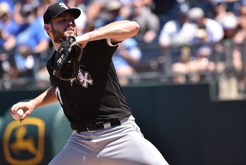 KANSAS CITY, MO - JUN 08: Chicago White Sox starting pitcher Lucas Giolito (27) pitches in the fifth inning during a Major League Baseball Game between the Chicago White Sox and the Kansas City Royals, on June 08, 2019, at Kauffman Stadium, Kansas City, Mo. (Photo by Keith Gillett/Icon Sportswire via Getty Images)