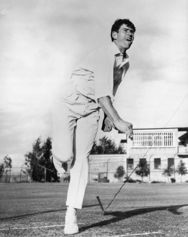 Australian cricketer Terry Jenner in action, 17th November 1970. (Photo by Hulton Archive/Getty Images)