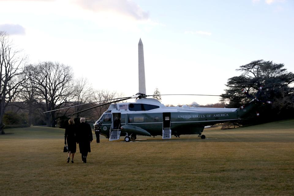 <strong>President Donald Trump and first lady Melania Trump depart the White House to board Marine One.</strong> (Photo: REUTERS)